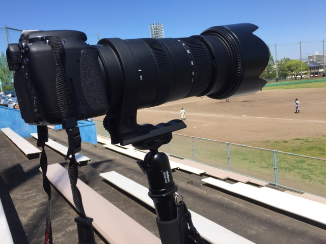 超望遠での野球試合の撮影は一脚の出番